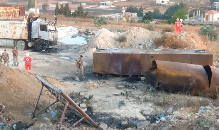 לבנון: 20 בני אדם נהרגו 79 נפצעו בפיצוץ מכלית דלק שבבעלות החזבאללה בעיר אל טליל באזור עקר בצפון לבנון E80KfEkXIAEGAux?format=jpg&name=900x900