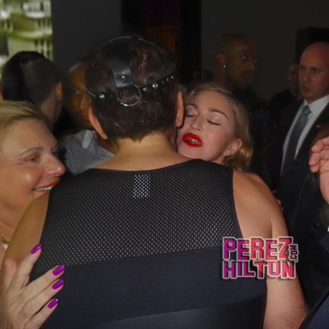 Happy birthday, Madonna!!!! What do you think she was telling in this photo????