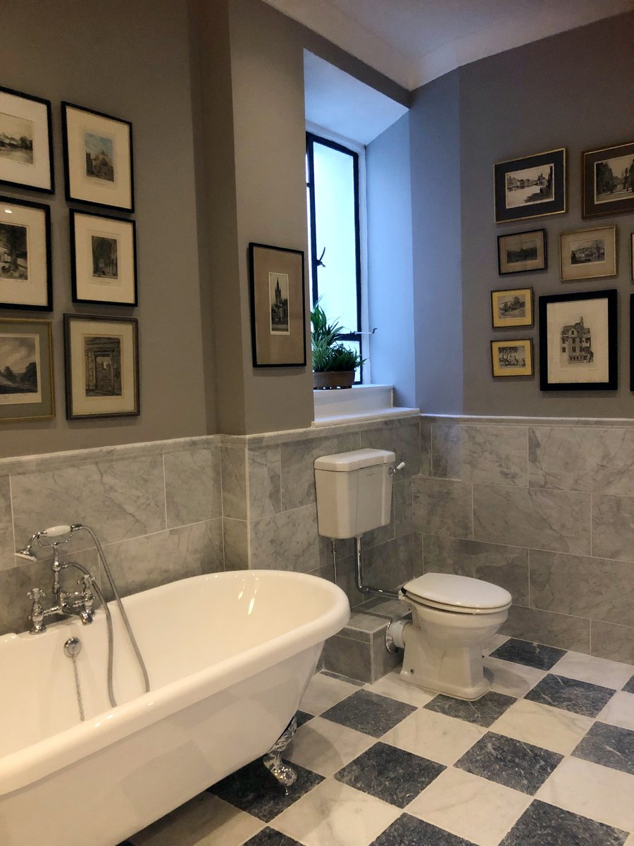 Starting the week right with a beautiful bathroom by @BathroomVillage