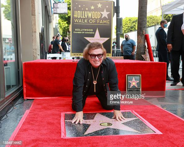 """Don McLean wins Hollywood star when """"American Pie"""" hits 50"""