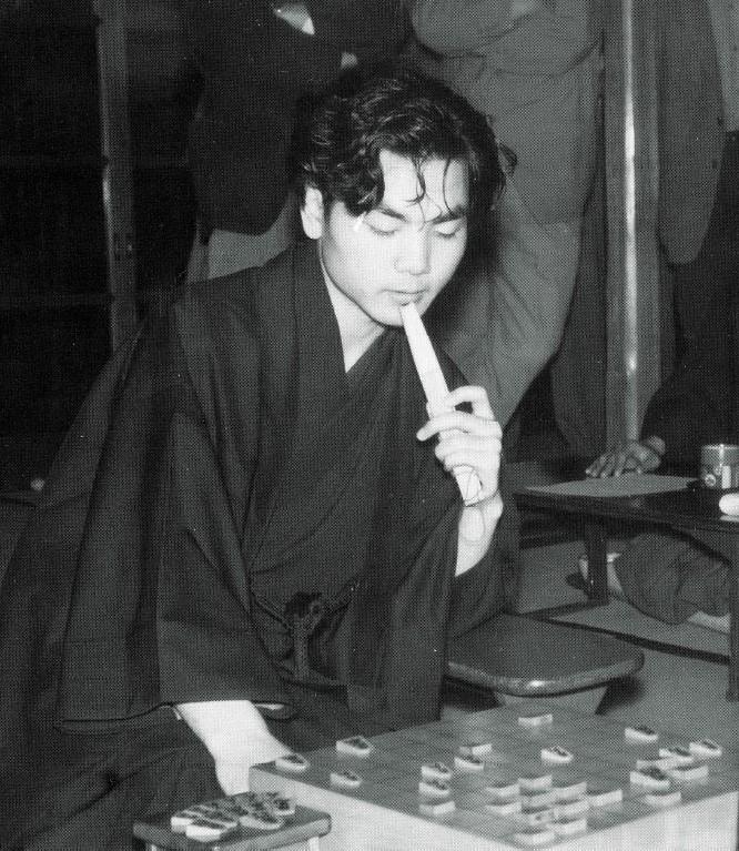 若いころの加藤一二三先生、実はイケメンだった?!