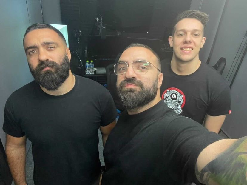 voutsikakis photo