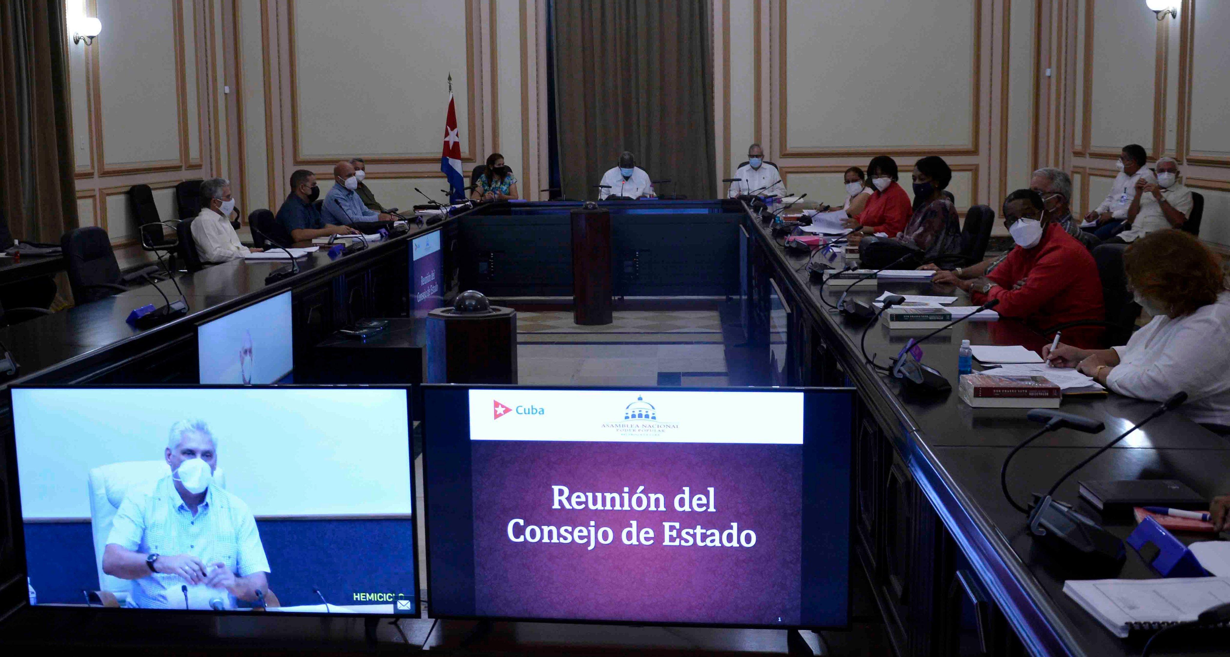 Aprueba el Consejo de Estado nuevos decretos-leyes para el fortalecimiento del modelo económico-social cubano
