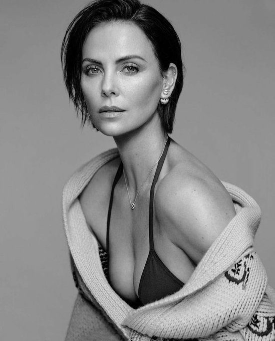 Happy birthday to the woman who literally makes us gay : Charlize Theron