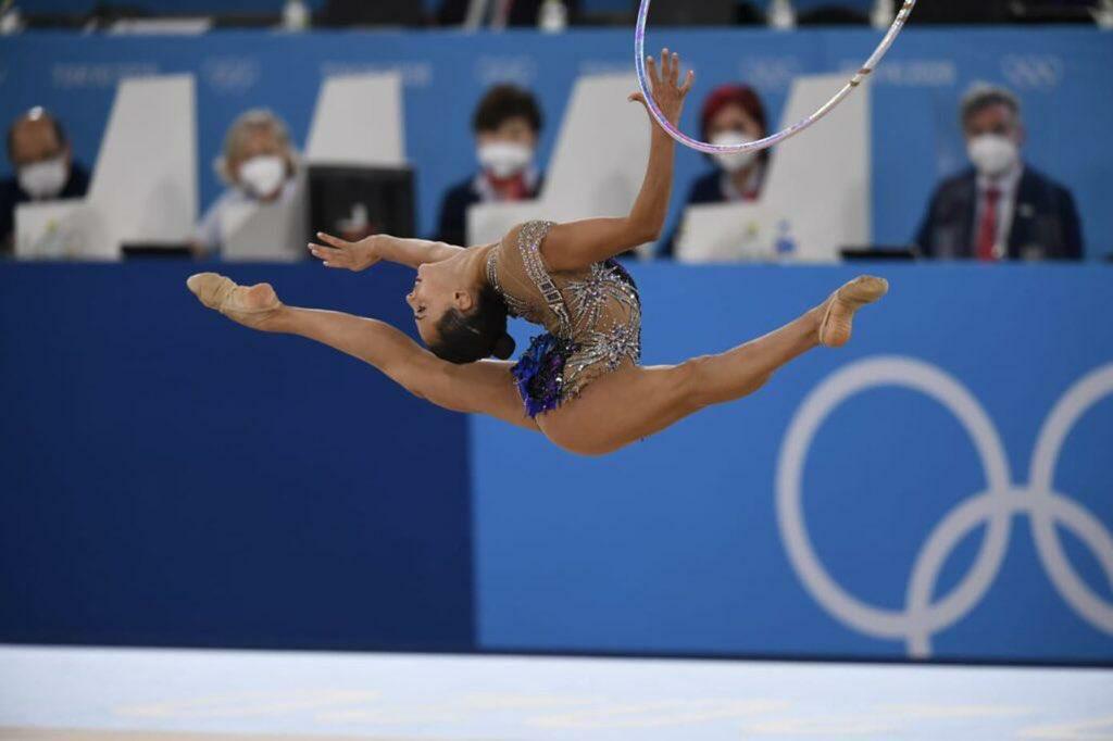 ها هي إسرائيل  تحلق عاليًا مرة أخرى وتحصد ذهبية جديدة في أولمبياد طوكيو عن فئة الجمباز الإيقاعي