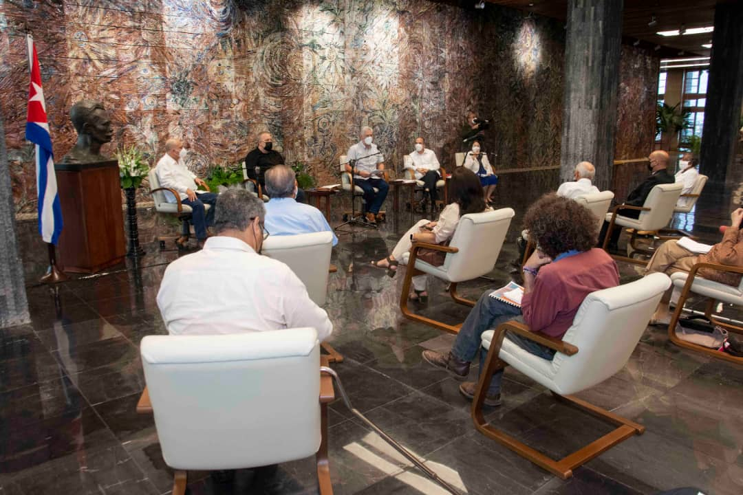 Intercambia Díaz-Canel con miembros del Consejo de Iglesias y líderes ecuménicos de Cuba