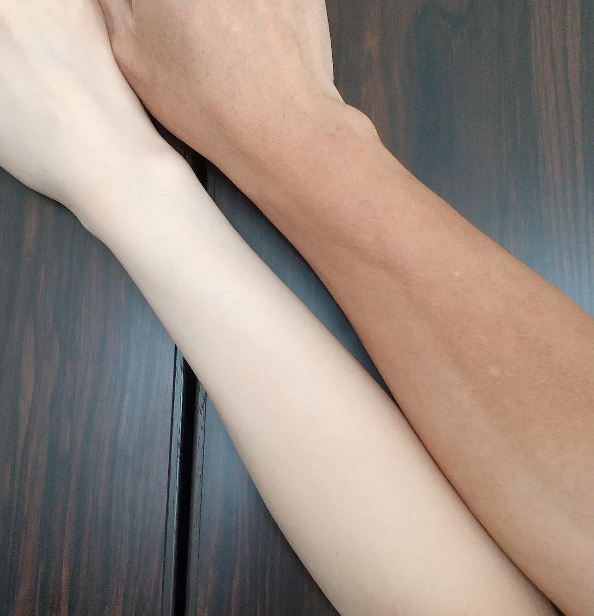 UVパーカーやメラノCCジェルがおすすめ!夏でも真っ白な腕を維持する方法がこちら!
