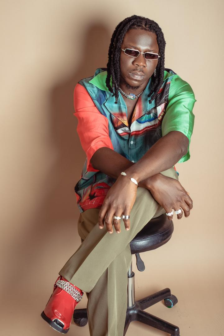 Stonebwoy share mood – hints of new music coming soon