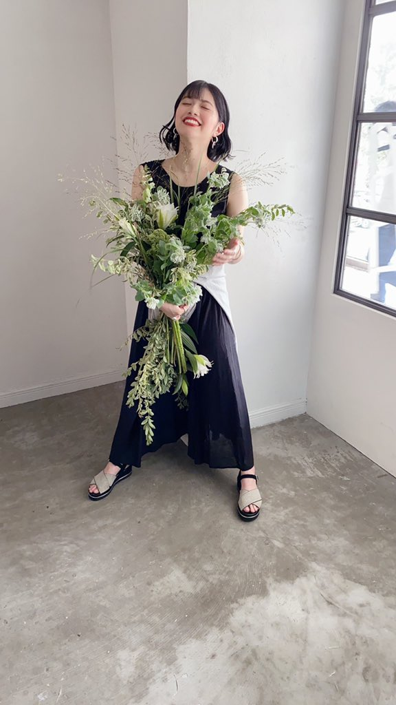石原 希望(いしはら のぞみ) お花いっぱいの撮影すごくたのし 1