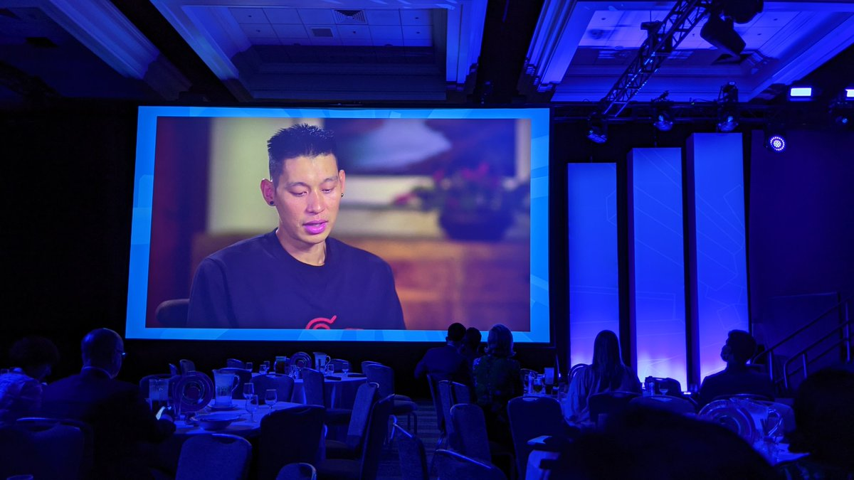 """RT @natepoon """"while you're blazing a trail, make sure that that trail isn't just for you"""" @JLin7 at #asugsvsummit   Doing the right thing is just as important as doing things right."""