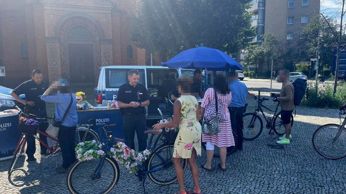 Berlin twitter baraka polizei mimon Seltsamer Youtuber