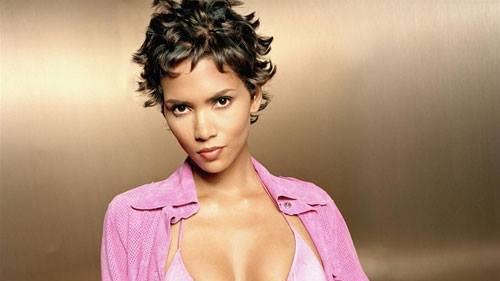 Happy Birthday to actress and model,  Halle Berry (August 14, 1966).