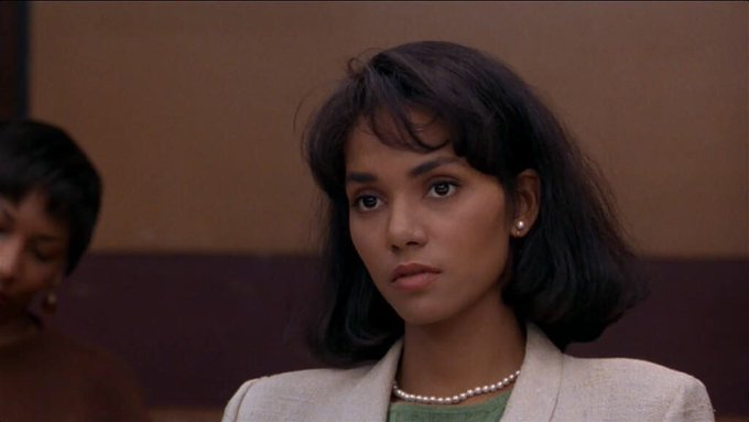 Happy birthday to Halle Berry!   What\s your favourite movie of hers?