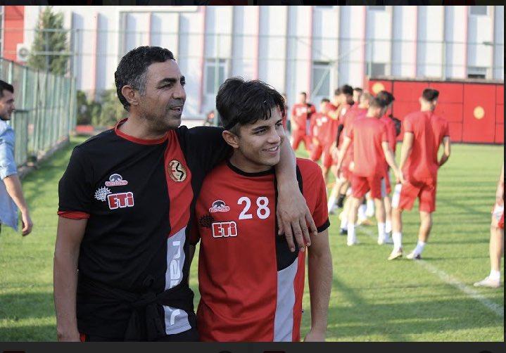 Mustafa Özer o fotoğrafı paylaştı ve..