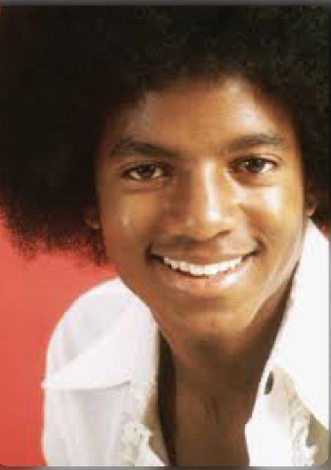 Hmm, he dropped this on MJ birthday interesting. Happy Birthday Michael Jackson!!!