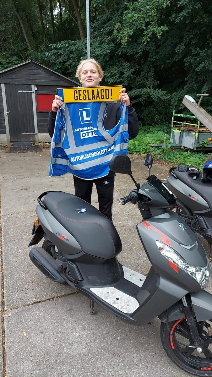 test Twitter Media - Valentijn de Bruin in 1x geslaagd voor het AM2 scooter rijbewijs, gefeliciteerd! https://t.co/nz7JEKLPJh