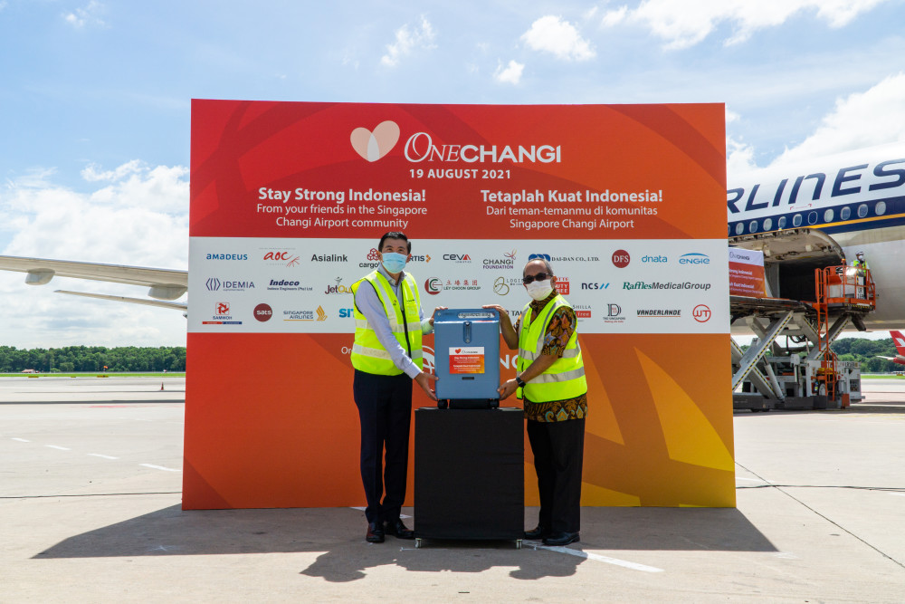 Singapore Changi Airport community donates oxygen concentrators to Indonesia to support fight against Covid-19 https://t.co/XjouYecYPe https://t.co/CXZQUCFAW1