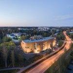 Image for the Tweet beginning: Suomalaista arkkitehtuuria esittelevä kansainvälinen kirja-