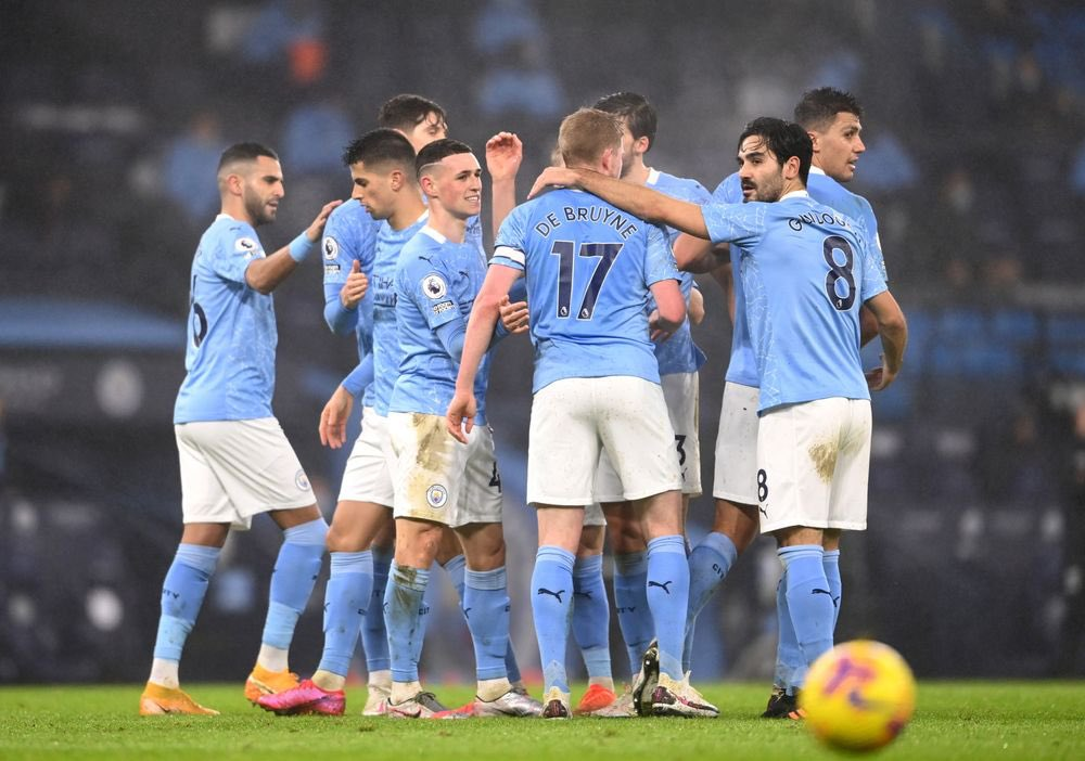 If Manchester City score 2+ goals vs Norwich today we'll giveaway a SecretShirt.co box 📦 To enter 👇 🔄 Retweet this tweet 🤝 Follow us Good luck!