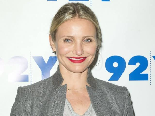Happy birthday to Cameron Diaz!  My birthday is today, and I am the same age as you. 1972.8.30. 2021.8.30