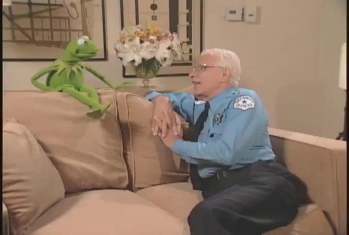 Ten years ago today, my and everyone's Uncle Frank passed away. We miss his kindness and humor every day. If you didn't have the pleasure of knowing him, this sincere chat with Kermit the frog sums him up well https://t.co/auJAXJmmLd
