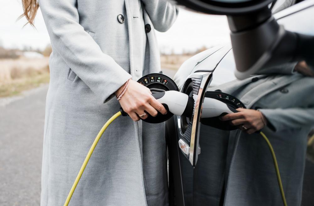 Wachablösung auf AutoScout24: Stromer überholen Dieselautos. Im Juli wurden erstmals mehr neue Elektroautos angeboten als neue Dieselfahrzeuge. #einfachfahren #elektrischfahren #stromtanken @ringier_ag @RAS_Schweiz @diemobiliar https://t.co/rWZ0HVa99x https://t.co/Qqo9zDgHps