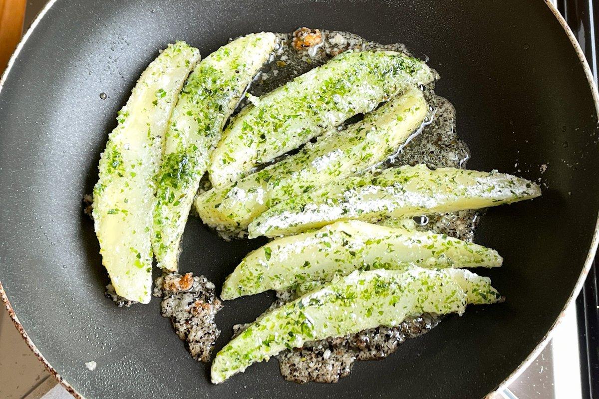 止まらなくなっちゃう美味しさ?!とっても美味しそうな「フライドポテト」のレシピ!