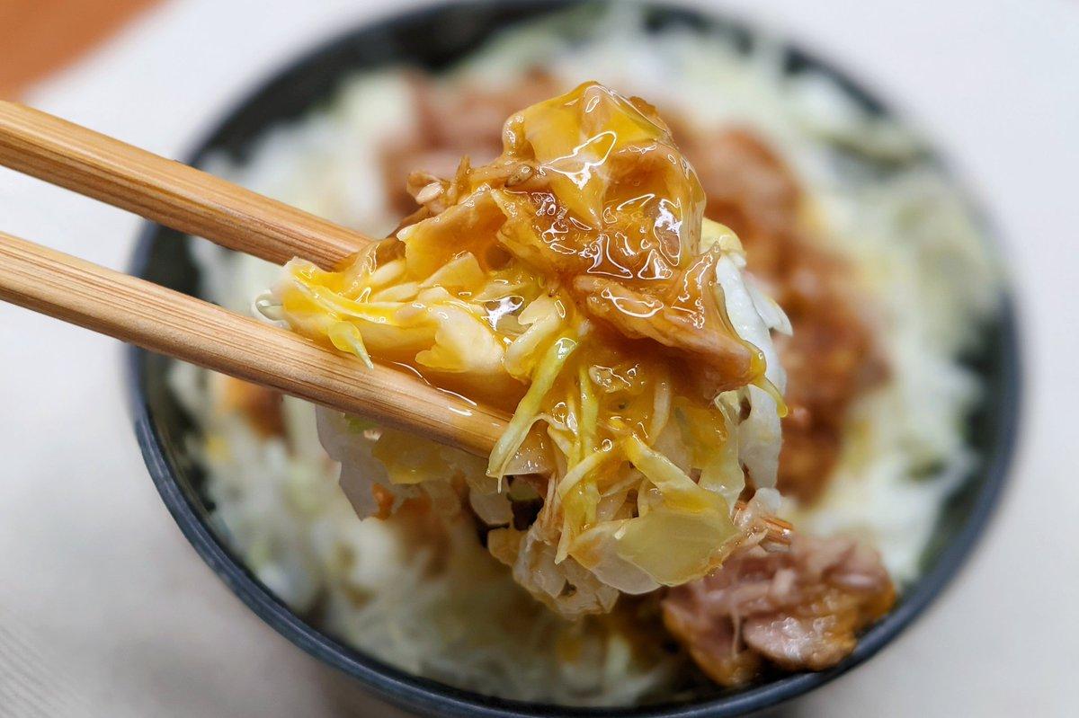 火が不要だからとってもお手軽に作れそう!「ツナ缶」を使った丼ものレシピ!