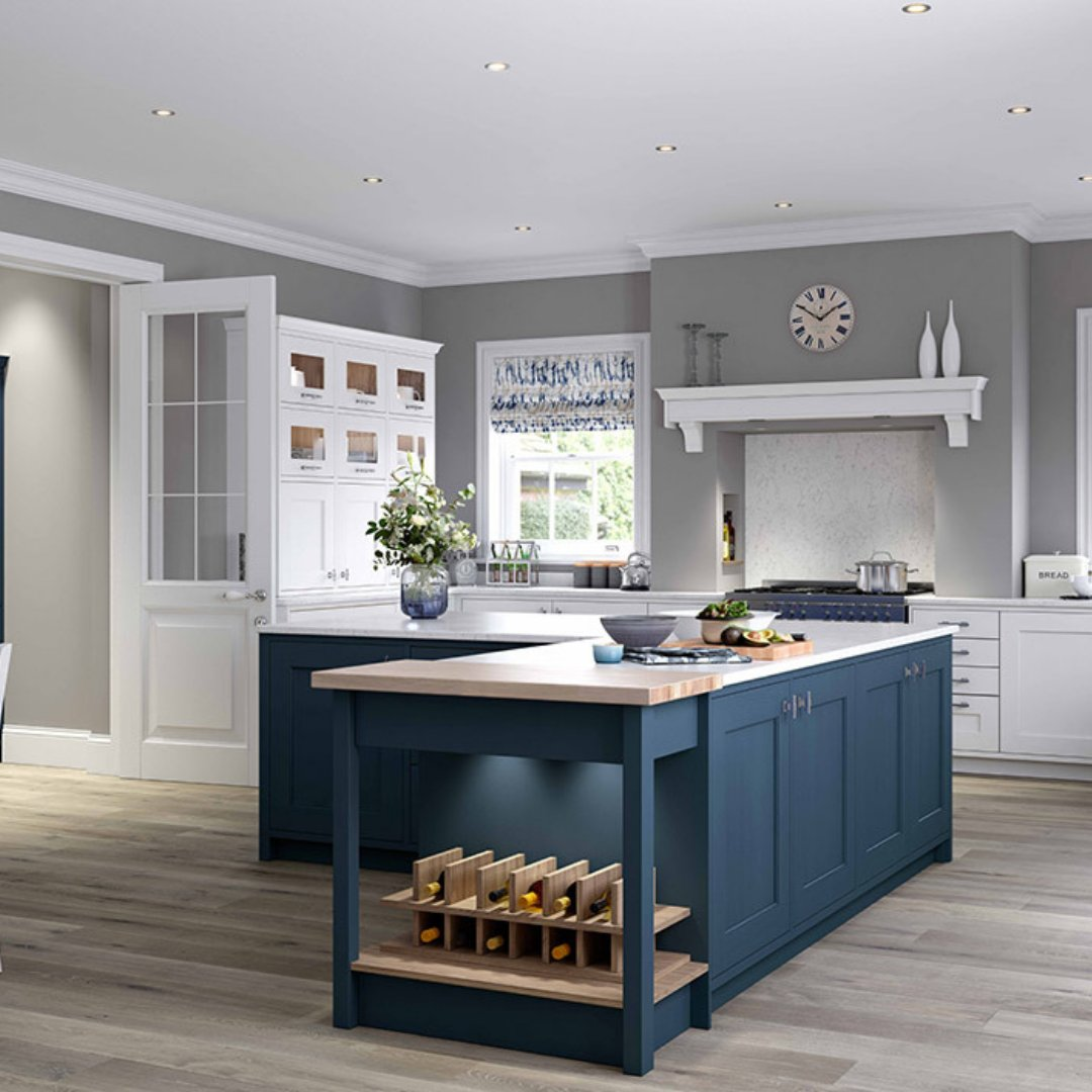 Would you like an island with a twist? We have a wide selection of design features to enhance your kitchen island. . ⭐ Wimbourne in Inkwell ⭐ Carnegie in Stone Grey ⭐ Ashbourne in Windsor Blue ⭐ Wimbourne Mussel