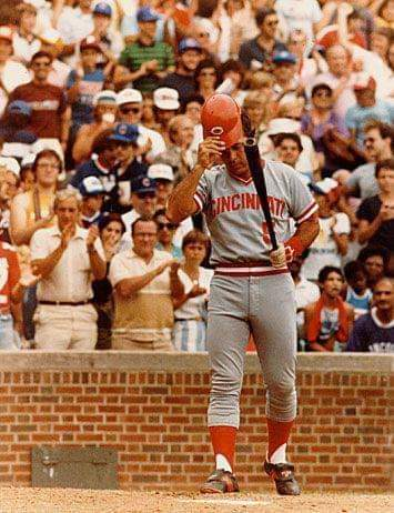 August 24, 1983 - Johnny Bench plays in his last game at Wrigley Field. #Cincinnati #Reds #MLB #OTD #1980s https://t.co/fMvXXOoQla