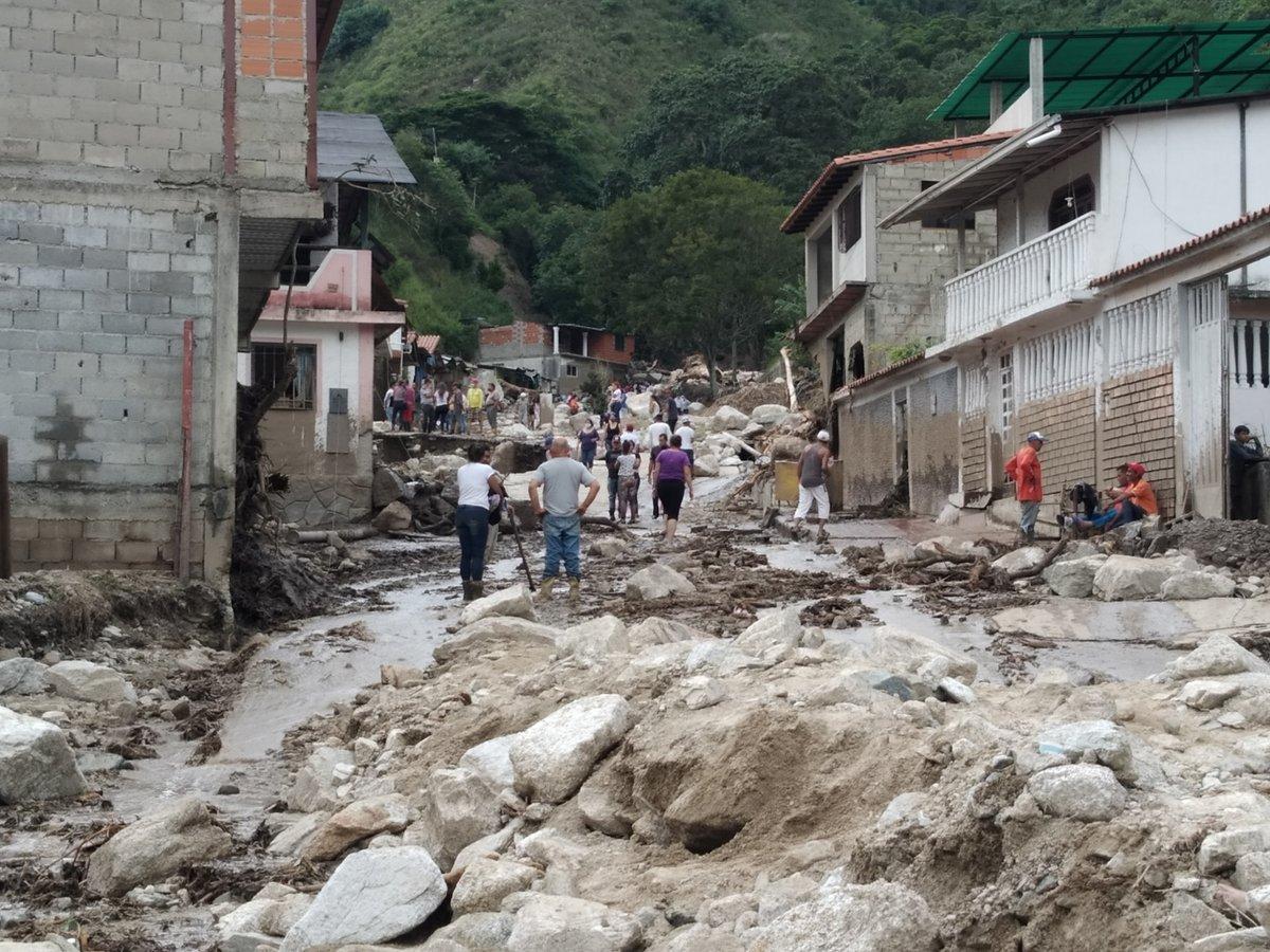 Floods in Venezuela Leaves 20 People Dead and Over 1,200 Buildings Destroyed