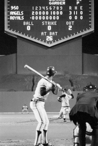 Last pitch of Nolan Ryan's no hitter, 1973 https://t.co/ctEAuCSYWG