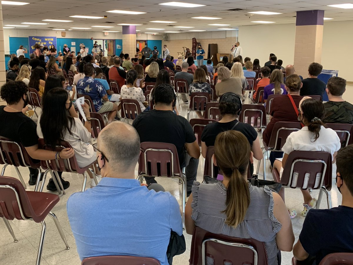 New Family Orientation at 2700 S. Lang Street tonight. Super excited to welcome new families to GMS. It's the start of something G-R-E-A-T! <a target='_blank' href='http://search.twitter.com/search?q=GunstonPRIDE'><a target='_blank' href='https://twitter.com/hashtag/GunstonPRIDE?src=hash'>#GunstonPRIDE</a></a> <a target='_blank' href='https://t.co/AgAWRjfZAI'>https://t.co/AgAWRjfZAI</a>