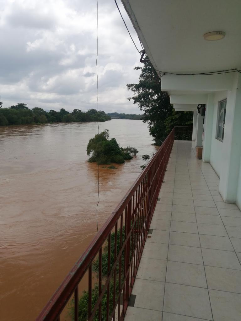 Al menos 20 municipios incomunicados en Oaxaca por intensas lluvias