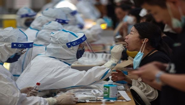 China's offensive trinitymirror.net/news/chinas-of… China has gone offensive ahead of the release of a #USintelligencereport on the origins of #coronavirus , bringing out a senior official to accuse @US @POTUS of politicising the issue by seeking to blame #China. #COVID #Pandemie