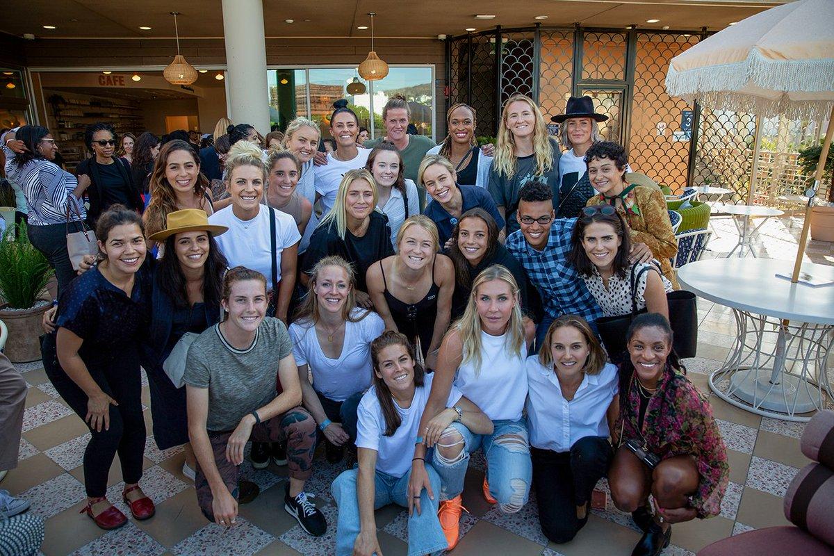 Melissa McCarthy Was Starstruck Meeting Megan Rapinoe And U.S. Women's Soccer Team