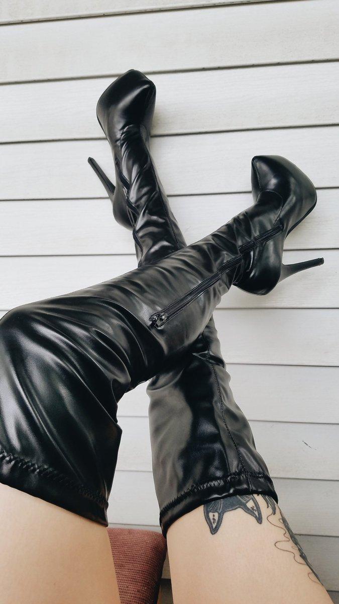 stripper plus thongs size