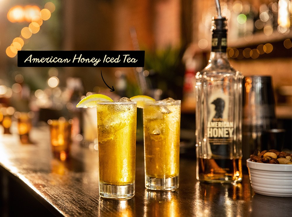 Ask the bartender for an American Honey Iced Tea. They'll know what it means. The name is pretty straightforward. https://t.co/7KptEnIYye