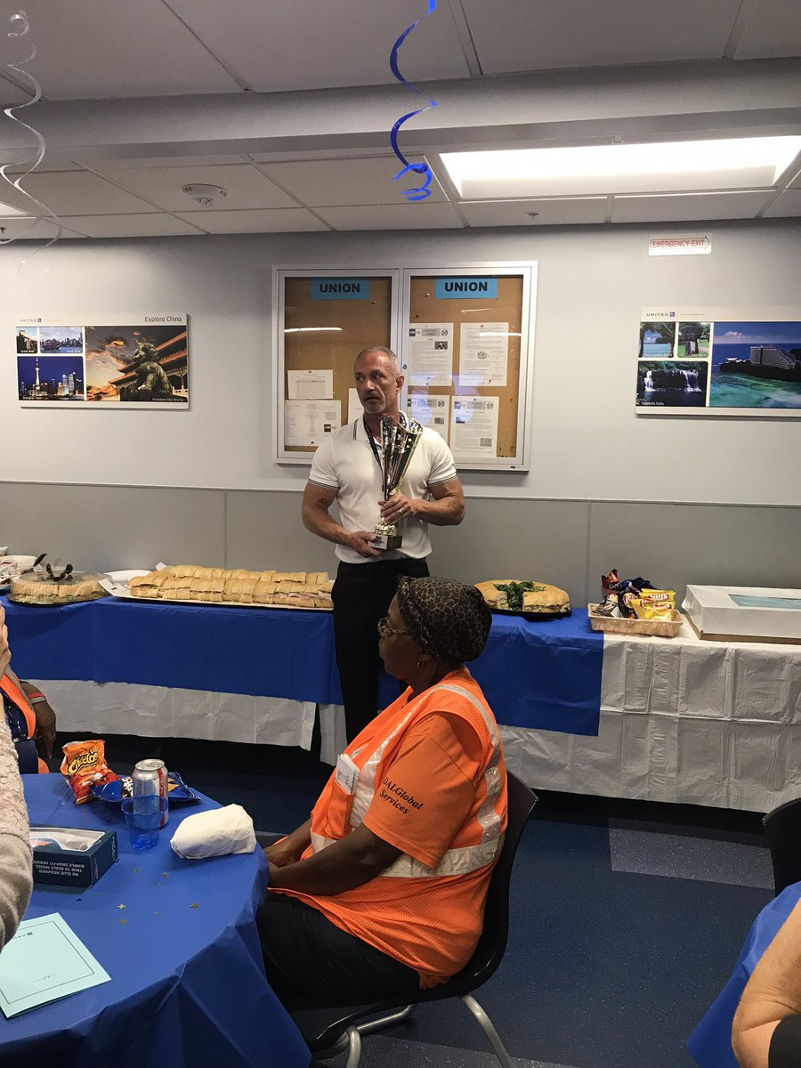 As if celebrating quarterly STAR championship wasn't enough, we were able to surprise the big guy for his 35th Anniversary. Team FLL always delivers smiles. Thank you @weareunited @SteveTanzella @JMRoitman @Vpyngolil @MikeSpagnuoloUA