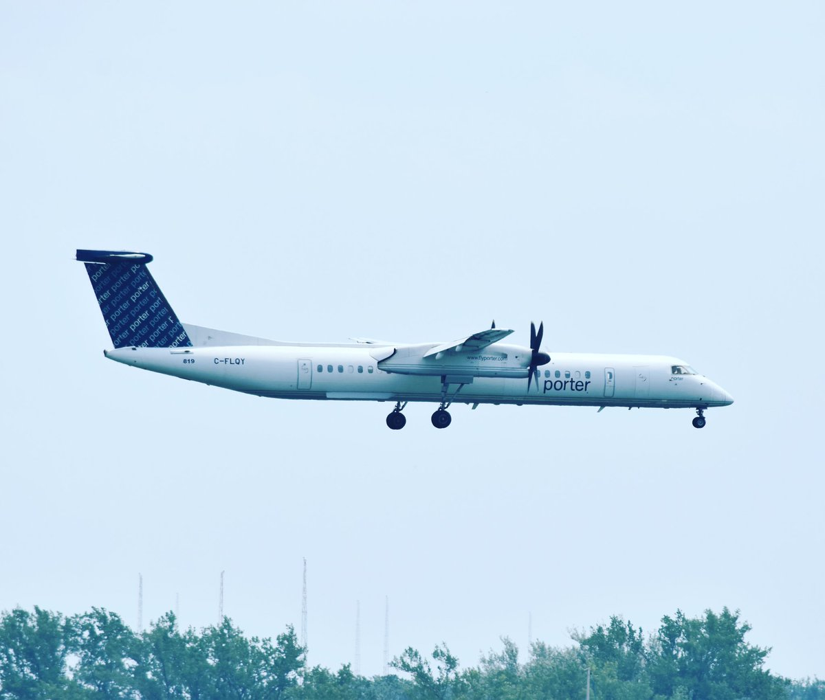 q400 tagged Tweets and Download Twitter MP4 Videos | Twitur
