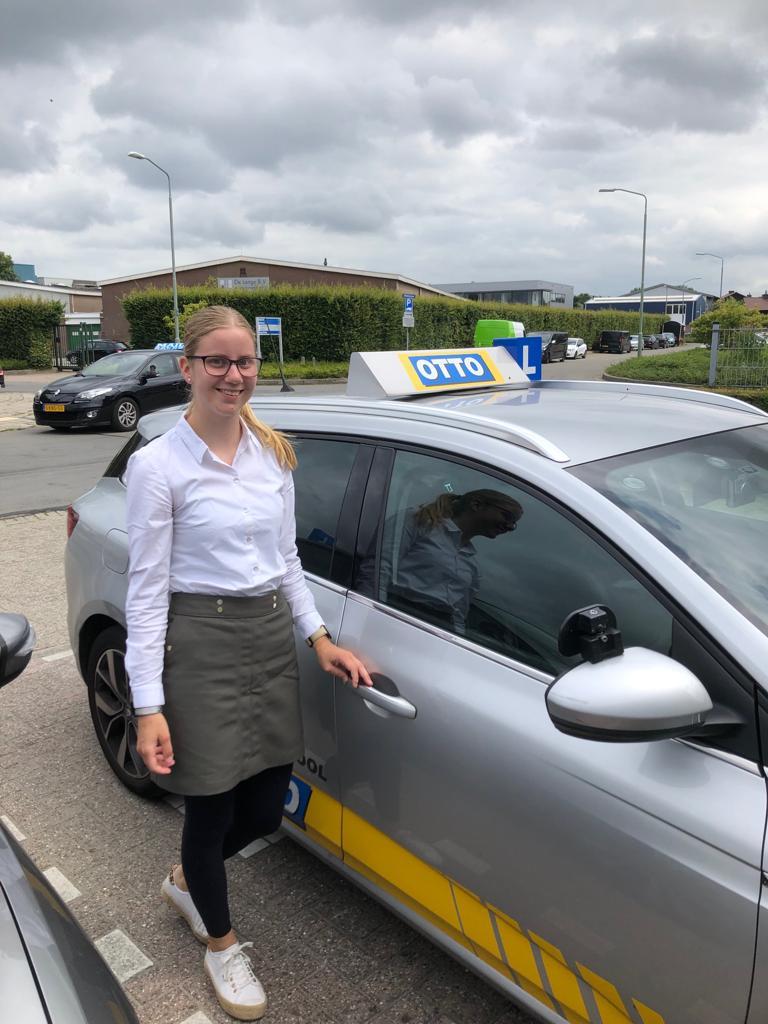 test Twitter Media - Marlina Buijs is sinds vandaag ook in het bezit van haar rijbewijs, van harte gefeliciteerd! Nu op zoek naar een eigen autootje. https://t.co/5ARJCVNHoe
