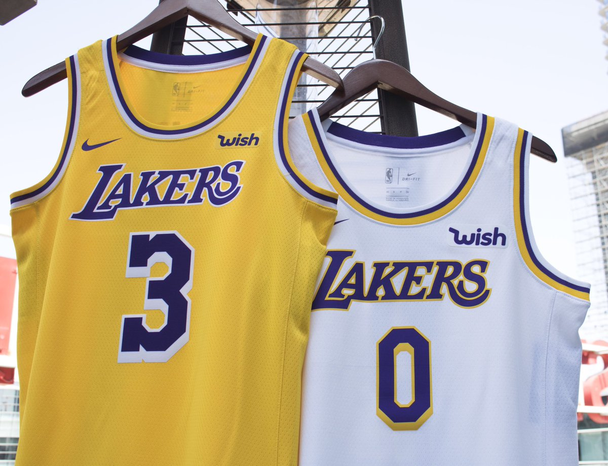 Sun is out, Jerseys ON!   #losangeleslakers #lalakers #Lakers #LAL #lakernation #Lakersstore #LakersSummer<br>http://pic.twitter.com/B8U6S0mxMs