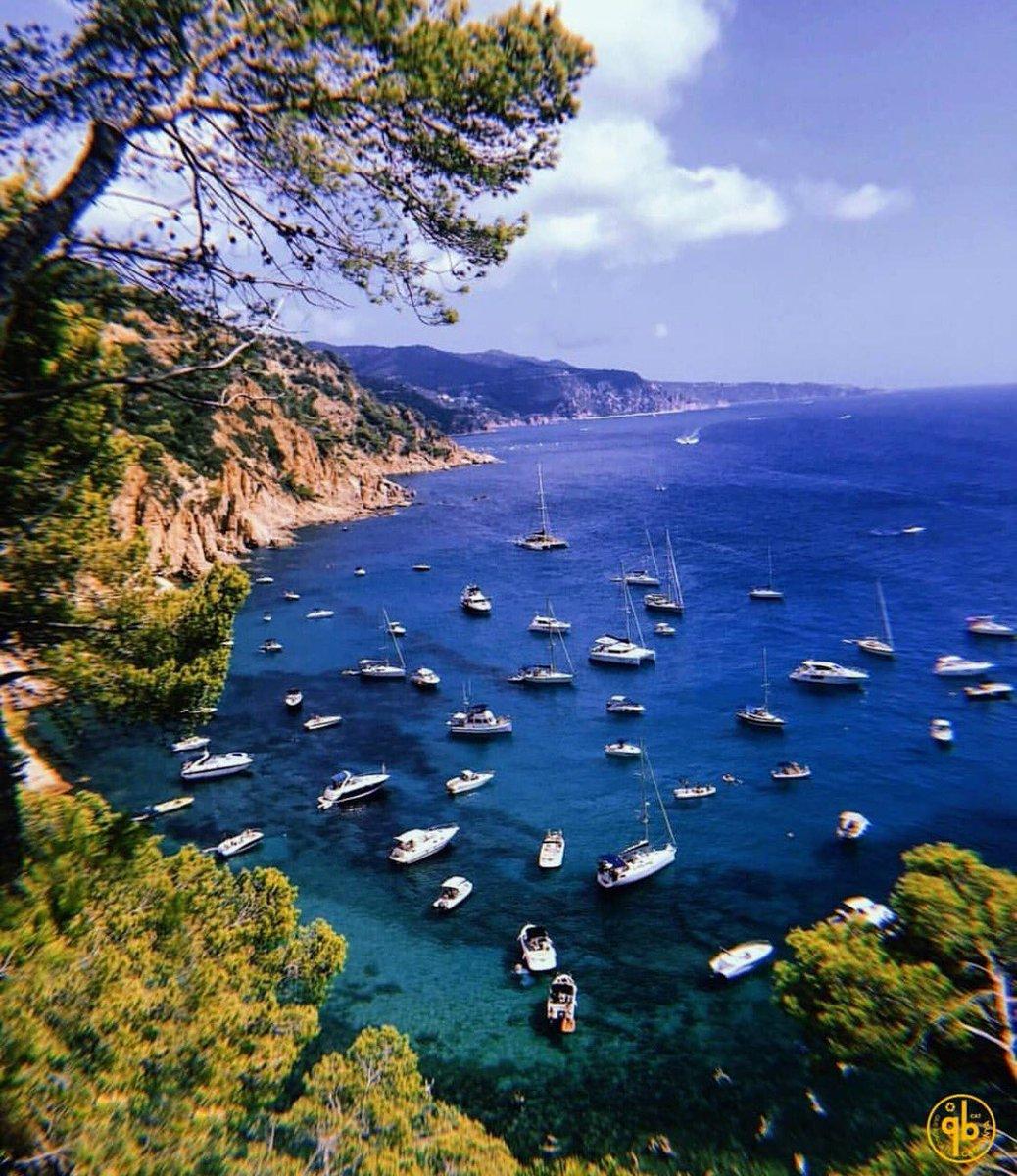 RT @Mardelplata1995: It's Tossa de mar, one of the best coastal place in Costa Brava! 💙 #TossaDeMar #CostaBrava #VisitCostaBrava alquilatulimo.com @visitcatalonia