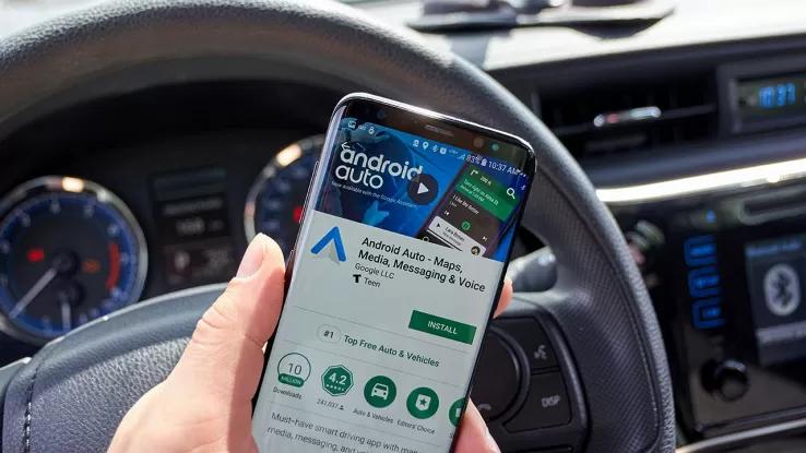 #TechNews - #Google inizia a distribuire la nuova versione di #AndroidAuto. Scopo dellaggiornamento dell'interfaccia è quello di ridurre al minimo le distrazioni durante la guida racchiudendo tutte le funzioni disponibili in una sola schermata tecnologia.libero.it/android-auto-a…