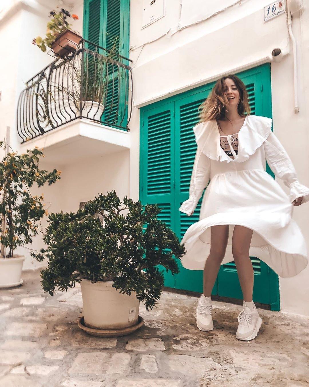Надя Дорофеева в платье SO DODO