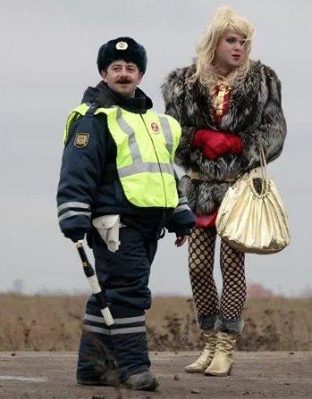 Гаишники и проститутка шлюхи в Тюмени ул Кемеровская