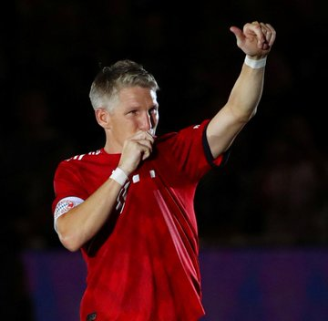 Happy 35th birthday to FC Bayern and Germany legend Bastian Schweinsteiger!