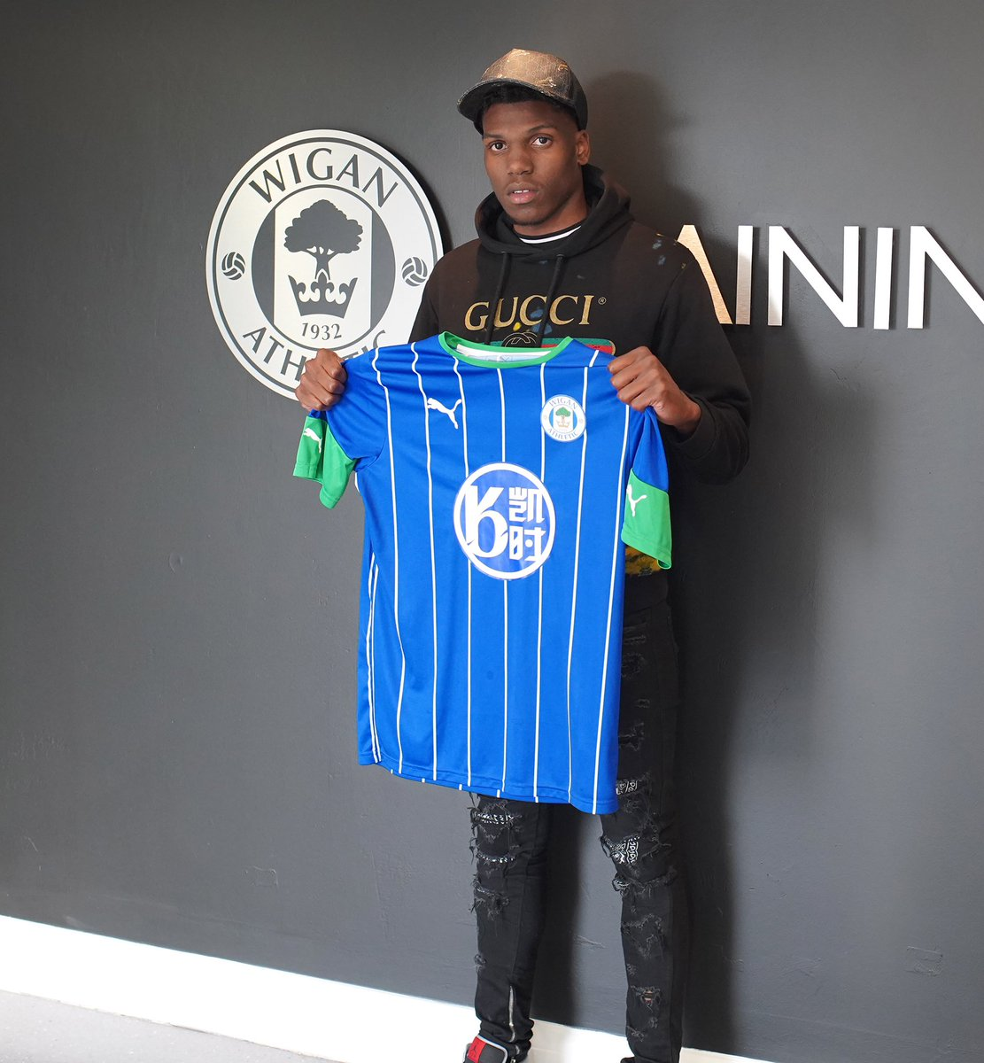 New season, new challenge! Buzzing to join @LaticsOfficial on loan for the upcoming season, big thanks to the gaffer and staff for the warm welcome! #WAFC 🔵⚪