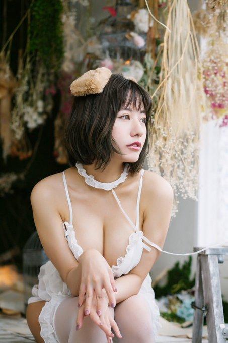 グラビアアイドルヴァネッサ・パンのTwitter自撮りエロ画像12