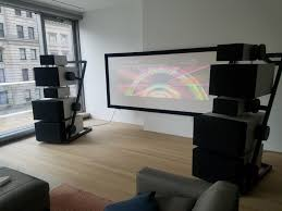 @AudiophiliacMan @YouTube This Goldmund system aint bad!